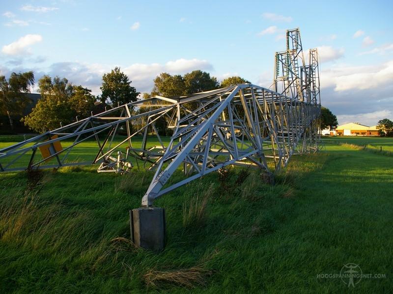 Gefaalde Gelderse tonmast 150 kV in Vethuizen