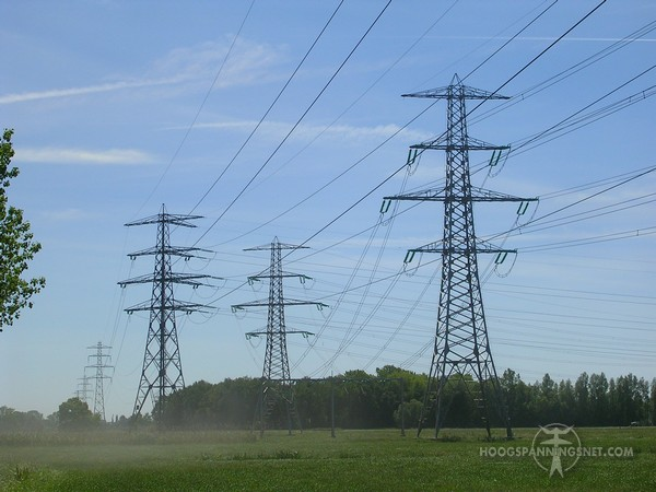 tonmasten ten westen van Apeldoorn