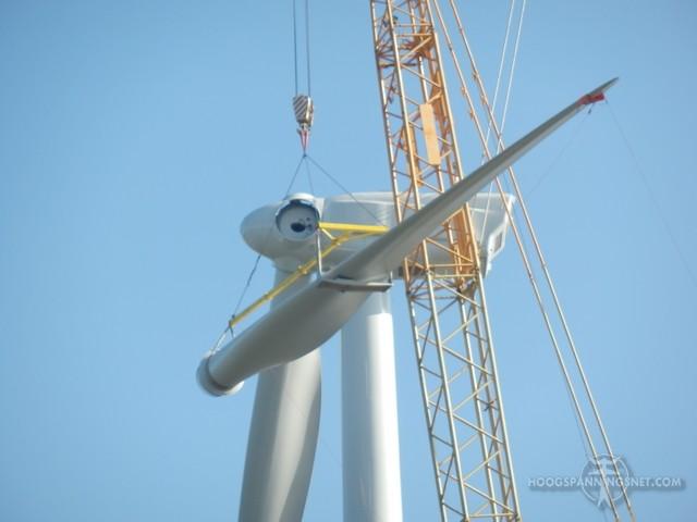 Windmolen in aanbouw