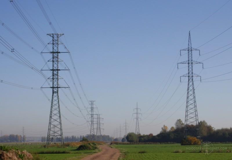 Stevinproject: nieuwe 380 kV-lijn naast de oude 150 kV-lijn