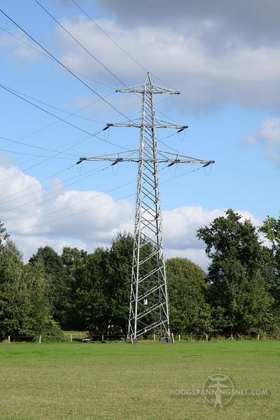 Extra bliksemtraverse op een IJC-110 kV Duits type donau