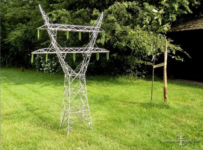 Schaalmodel van dit mastontwerp, gebouwd door Hans Nienhuis