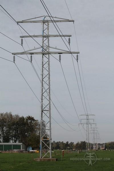 Enkelvoudig slingerverband in een kleine 50 kV-mast